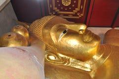 Stützender Buddha Lizenzfreie Stockfotos