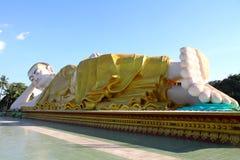 Stützender Buddha, Bago auf Myanmar Stockbild
