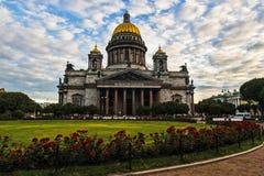 St以撒` s大教堂是圣彼德堡建筑学珍珠  免版税库存图片