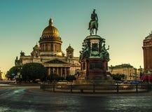 St以撒` s大教堂是圣彼德堡建筑学珍珠  免版税库存照片