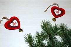 St华伦泰` s天,爱,圣诞节,新年 两红色心脏w 免版税库存图片