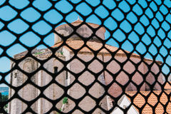 St多纳特教会从里边被观看圣阿纳斯塔西娅教会钟楼在扎达尔,克罗地亚 免版税库存图片