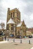 St尼古拉斯从镇桥梁的教区教堂 免版税库存照片
