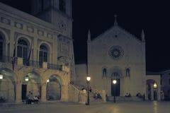St本尼迪克特广场和教会在诺尔恰,翁布里亚,意大利 库存图片