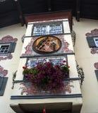 St约翰,奥地利- 2016年10月13日:一个老房子的凸出的三面窗 免版税库存图片
