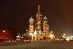 St蓬蒿红场的` s大教堂在莫斯科 抽象分数维图象晚上冬天 库存图片