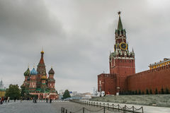 St蓬蒿` s大教堂和红场在莫斯科 免版税库存照片