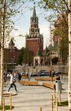 St蓬蒿` s Pokrovsky大教堂和Spasskaya耸立 图库摄影