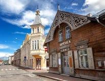 St领港教会和拉克韦雷,爱沙尼亚老镇  绿色summe 图库摄影