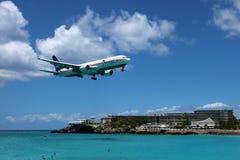 St马尔滕Maho海滩飞机着陆 免版税库存图片