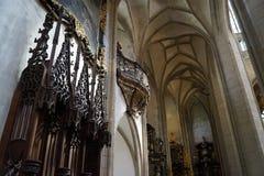 St Барбара собора - алтары стоковая фотография