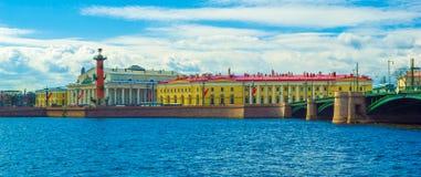 st святой isaac petersburg России s куполка собора Стоковая Фотография