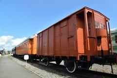 ST 彼得斯堡俄国 汽车被盖的两个--没有的轴 657-582与闸平台花费在平台 免版税库存照片
