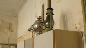 ST 彼得斯堡,俄罗斯,一层共同舱内甲板的老厨房 股票视频