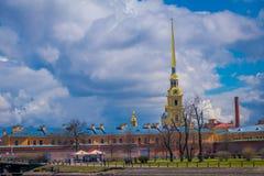 ST 彼得斯堡,俄罗斯, 2018年5月01日:彼得和保罗堡垒的室外看法是St原始的城堡  图库摄影