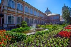 ST 彼得斯堡,俄罗斯- 2015年6月:修道院 免版税库存照片