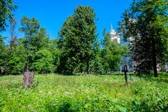 ST 彼得斯堡,俄罗斯- 2015年6月:修道院 库存照片