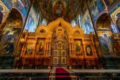 ST 彼得斯堡,俄罗斯- 2015年6月19日:救主的教会血液内部的 库存图片