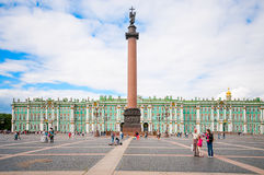 ST 彼得斯堡,俄罗斯- 2015年7月26日:在勃拉的亚历山大专栏 图库摄影