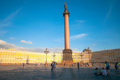 ST 彼得斯堡,俄罗斯- 2015年7月26日:在勃拉的亚历山大专栏 免版税图库摄影