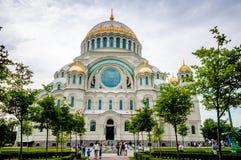 ST 彼得斯堡,俄罗斯- 2015年7月25日:海军大教堂  免版税库存图片
