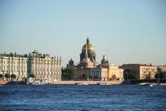 St以撒` s大教堂、海军部和偏僻寺院或者冬宫 免版税库存照片