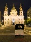 St.斯蒂芬的大教堂晚上布达佩斯匈牙利 库存照片