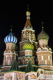 Базилик St. собора заступничества на ноче. стоковые фотографии rf