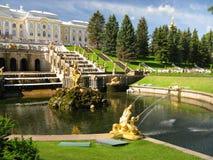 喷泉彼得斯堡st 免版税库存图片