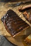 St ahumado hecho en casa Louis Style Pork Ribs de la barbacoa Fotos de archivo