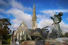 St Alban& x27; s kościół & x28; Meliny engelske kirke& x29; i fontanna w Copenhag Zdjęcie Royalty Free