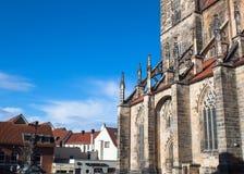 St Andreas kerk in de zonnige duidelijke dag van Hildesheim royalty-vrije stock afbeeldingen