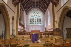 St Andrew, altare e vetro macchiato Fotografia Stock Libera da Diritti