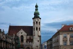 St Andrew Kerk in Krakau bij Schemer Stock Afbeeldingen