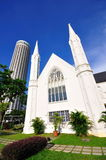 St Andrew's Cathedral and Swissotel the Stamford Royalty Free Stock Photos