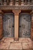 St Andrews Church houten deuren in Moffat, Dumfries en Galloway, Schotland stock fotografie