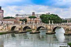 St. Angelo Bridge über dem Tiber-Fluss Lizenzfreie Stockfotografie
