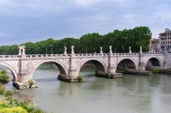 St Angelo Bridge, door Roman Emporer Hadrian wordt gebouwd, is een pede die stock afbeelding