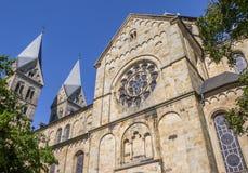 St- Annakirche mit zwei Türmen in Neuenkirchen stockfotografie