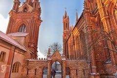 St Anne s och Bernardinu kyrka i Vilnius Royaltyfri Fotografi