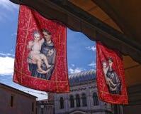 St Anthony de las banderas de Padua foto de archivo