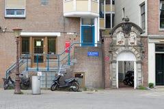 St Antoniesluis i Amsterdam Arkivbilder