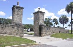 St Augustine FL, Augusti 8th: Castillo de San Marcos ingång från St Augustine i Florida Arkivbilder