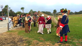 St Augustine FL mensen in historische kledij stock video