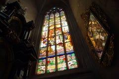 St Barbara da catedral interior - imagem e janela imagens de stock