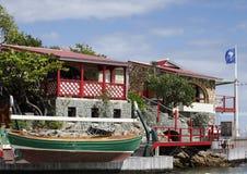 Das schöne Eden-Felsenhotel an St. Barth, Franzosen Antillen Lizenzfreie Stockbilder