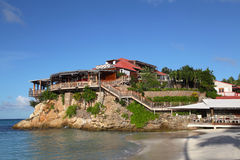 Das schöne Eden-Felsenhotel an St. Barth, Franzosen Antillen Stockfotografie