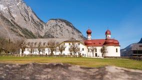 St Bartholoma教会在Konigsee湖 免版税库存图片