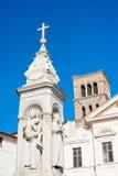 St Bartholomew på den ökolonnen och framdelen arkivfoto