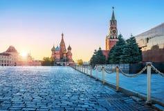 St Basil's katedra i Spasskaya wierza zdjęcie stock